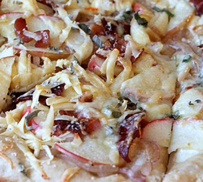 Bacon Pizza With Caramelized Onions & Honey