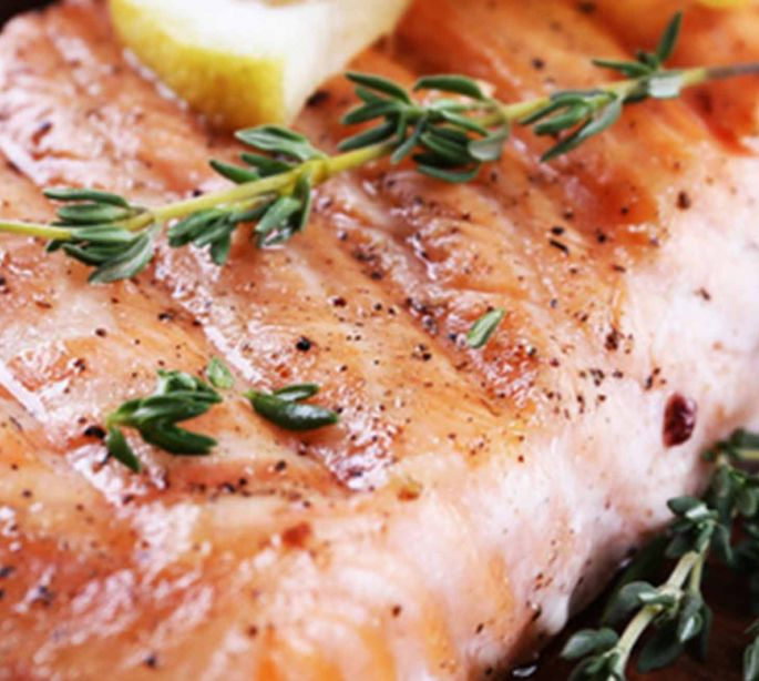 Baked Salmon With Lemon & Thyme